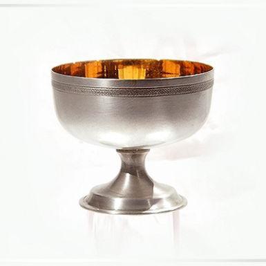Сребърна чаша широка